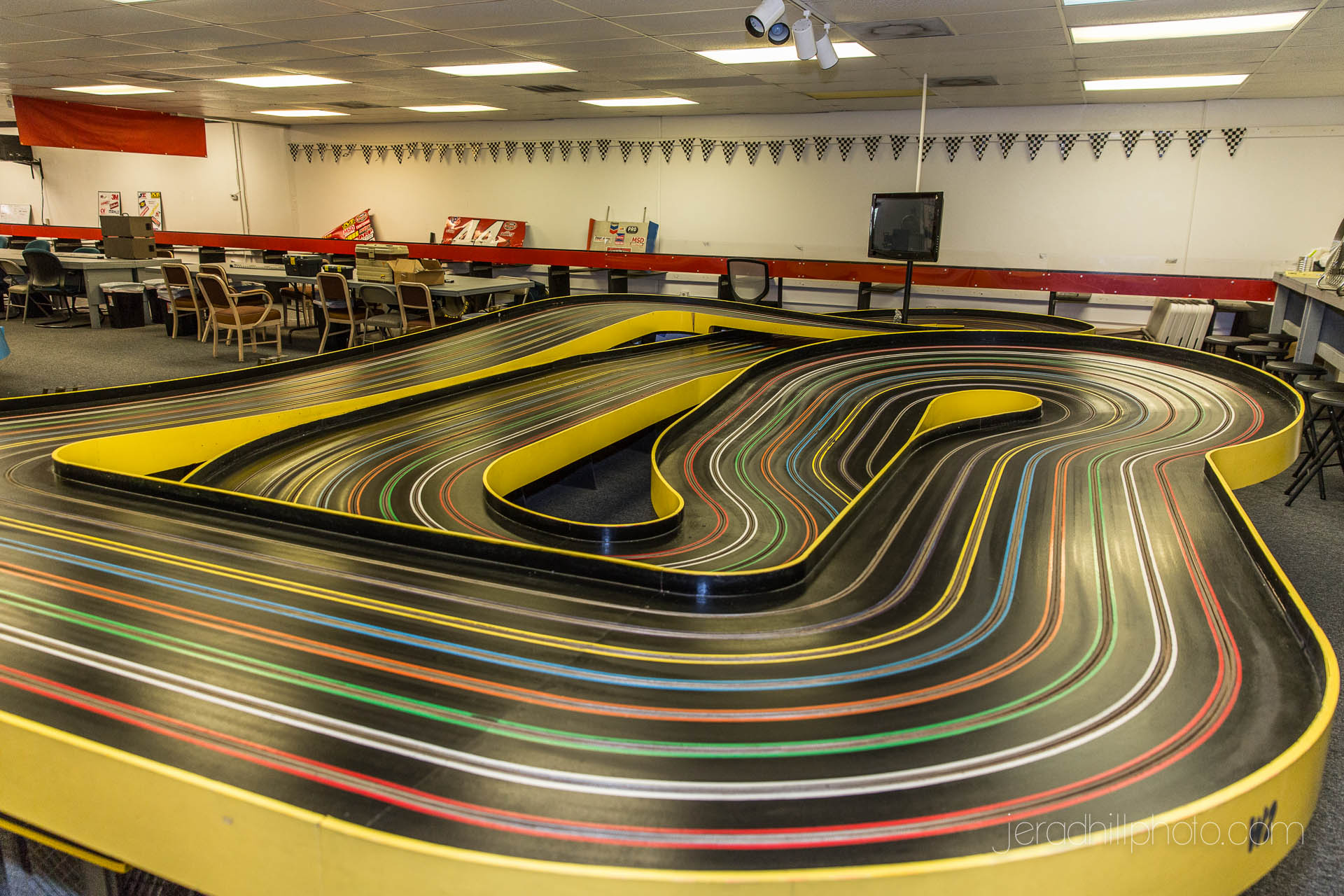 korkscrew slot car track